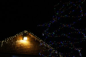 3 Essential Safety Tips for Decorating Your Home with Holiday Lights this Year