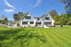 How to Boost the Curb Appeal of Your Home for Spring